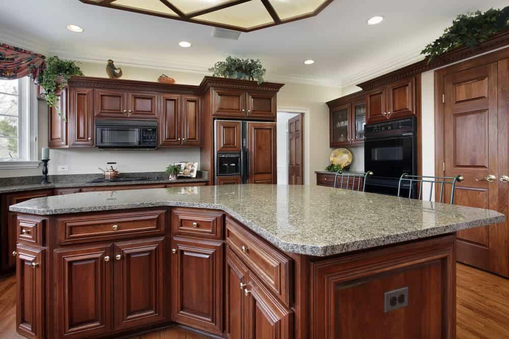 Curved kitchen island design