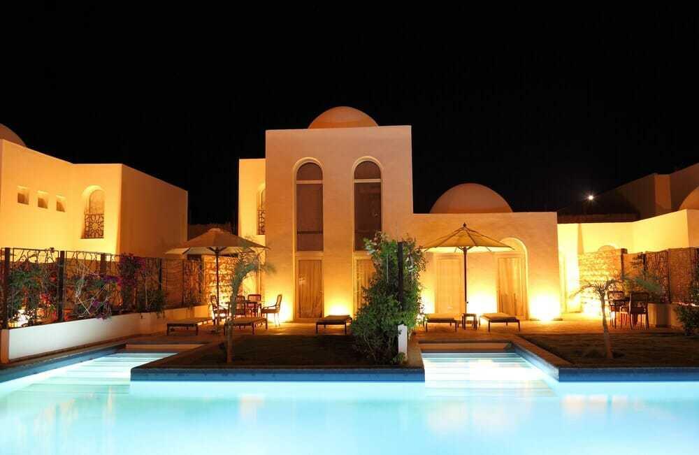 40 beautiful pools_30