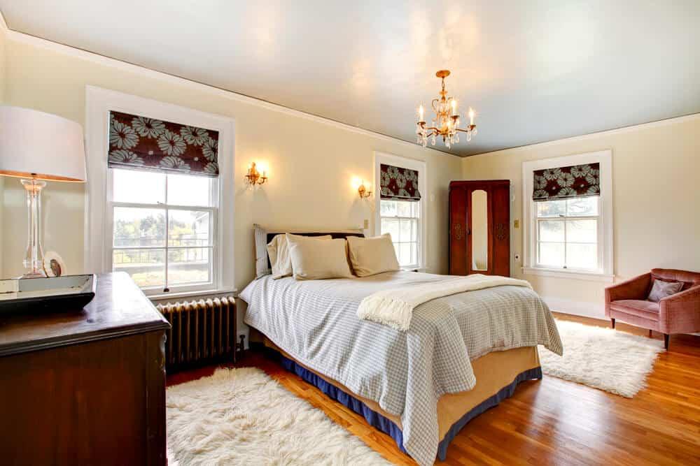 Beautiful qntique elegant bedroom interior.
