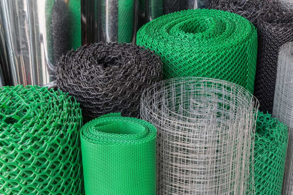 Common temporary fencing types. Available in green, black, orange and unfinished metal.
