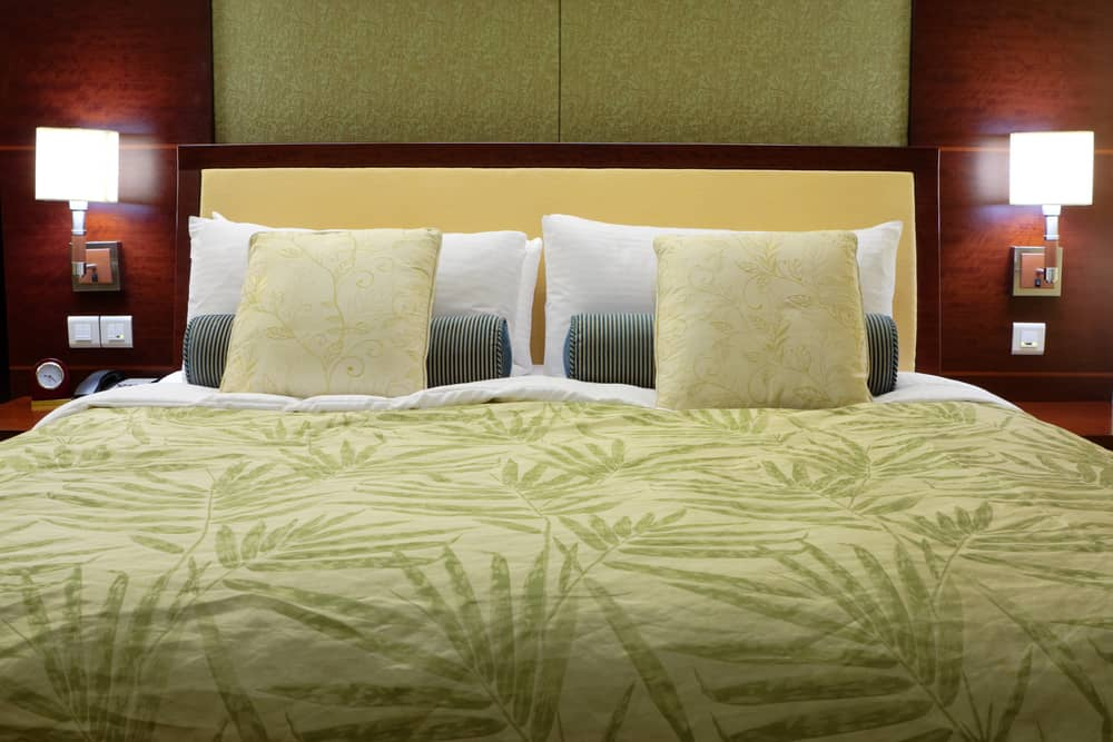 Queen Bed Dimensions for your bedroom planning